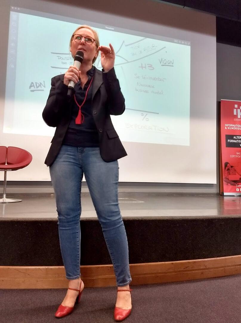 Conférence de Laurence Darrieumerlou d'Activate Innovation sur l'innovation au sein des entreprises